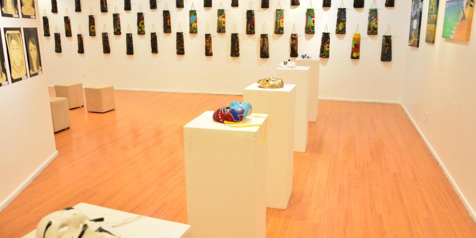 Exposição Releituras - Encerramento curso de Artes Visuais PCG