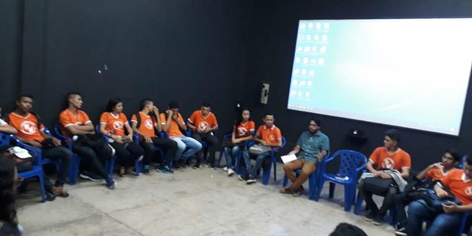 Oficina de Capacitação Audiovisual com alunos da Escola Ester Virgulino
