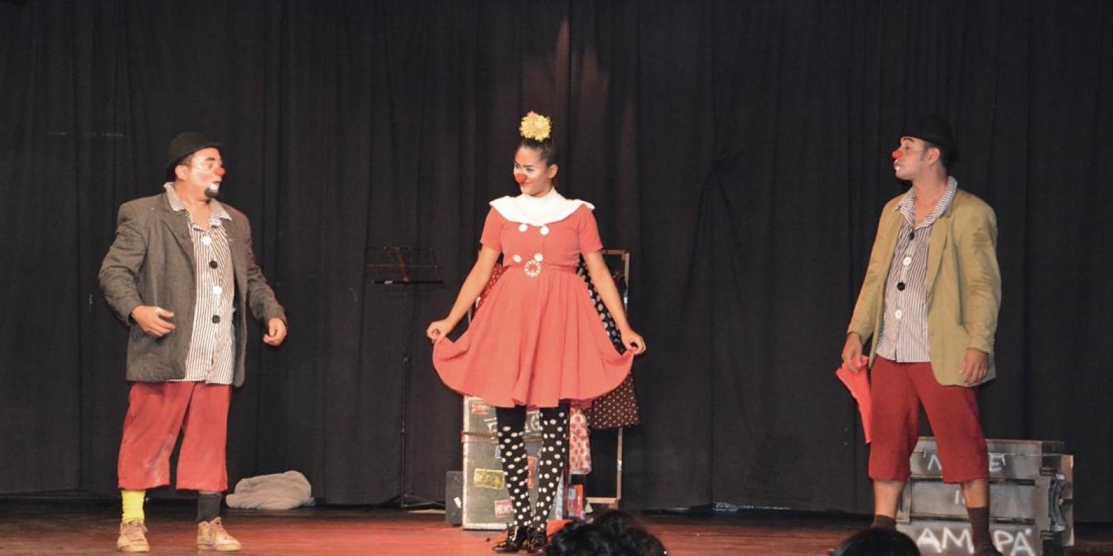 Cia de Circo Amapaense animou público infantil em mais um dia de Amazônia das Artes