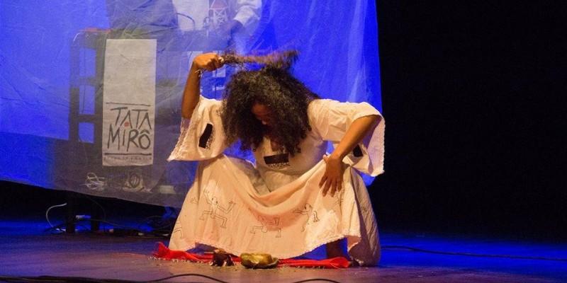 Apresentação poética 'Xapiri-Curuocangô' integra programação cultural no Sesc Araxá